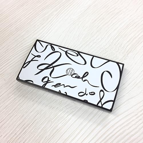 高篠裕子のイラストを使った化粧品コンパクト