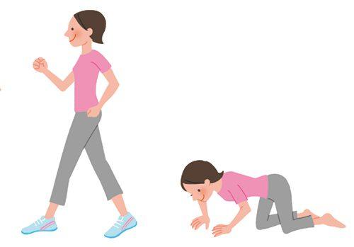 体操をしている女性
