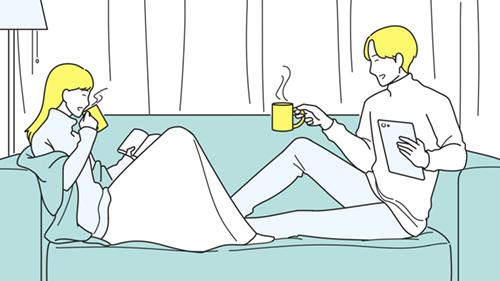 ソファでくつろぐ男女のイラスト